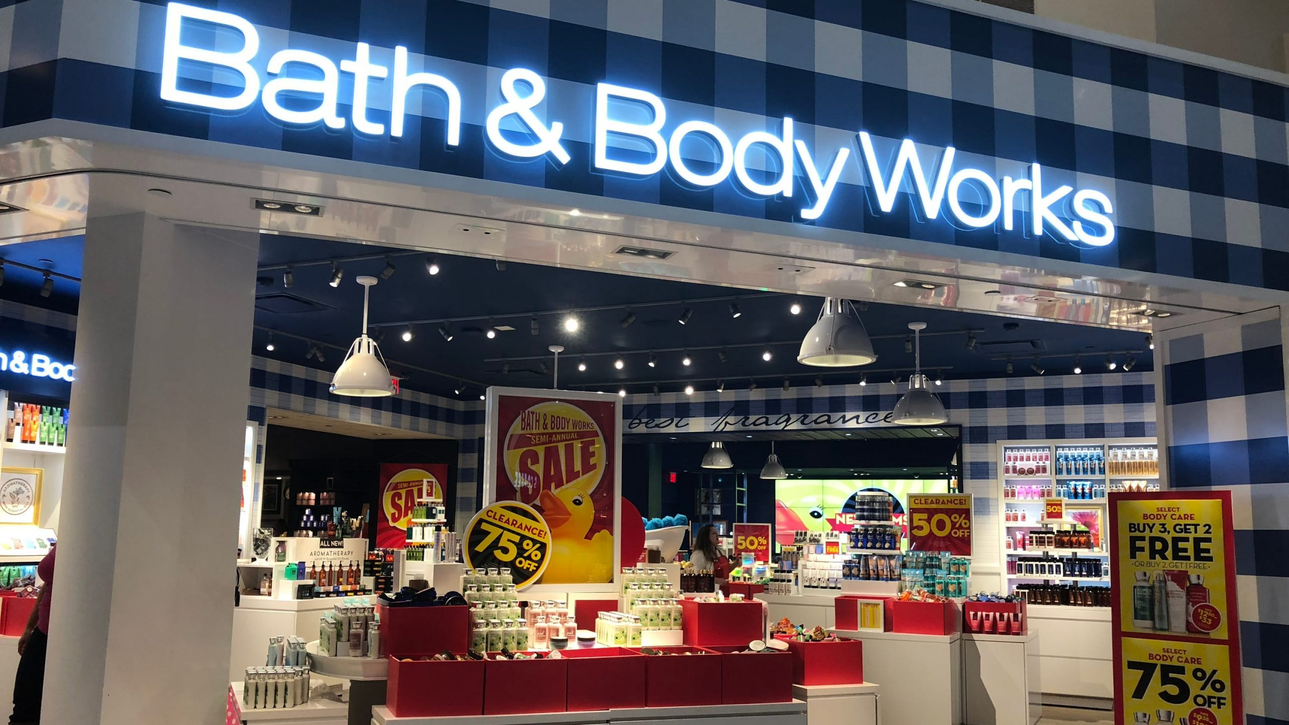 bath-body-works-annual-candle-day-sale-returns-friday-with-9-95-candles-lasts-longer-amid-covid-19.jpg