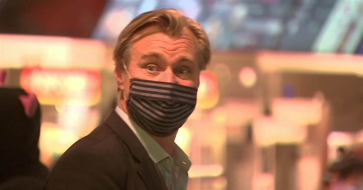 director-christopher-nolan-joins-customers-celebrating-the-reopening-of-movie-theaters.jpg