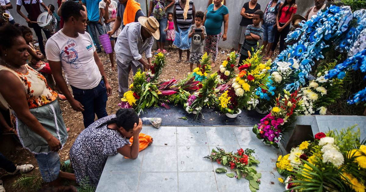 mexicos-covid-death-toll-is-three-times-higher-than-reported-new-study-finds.jpg